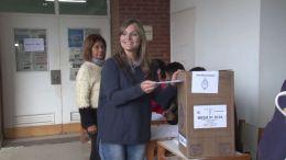 LUCILA MASIN VOTÓ EN EL INSTITUTO SAN FERNANDO REY   CHACO  11.08