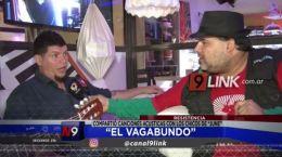 """Resistencia: """"El Vagabundo� compartió canciones acústicas con los chicos de """"June�"""
