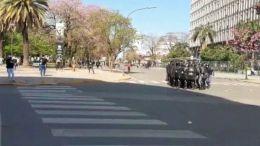 MANIFESTANTES HIRIERON A SIETE POLICÍAS EN LA PLAZA 25 DE MAYO | CHACO | 18.09