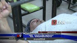 Resistencia:  El Vagabundo estuvo entrenando en un Gimnasio