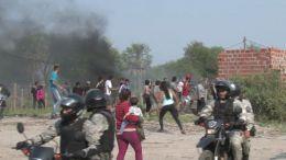 ENFRENTAMIENTOS ENTRE VECINOS Y LA POLICÍA  | CHACO | 30.09