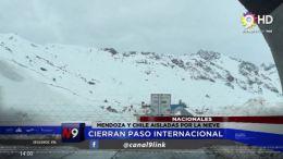 MENDOZA Y CHILE AISLADAS POR LA NIEVE | NACIONAL | 03.10